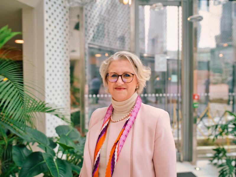 Anne Ravanova